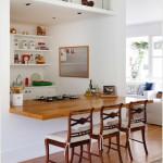 Kiểu bàn gập chắc hẳn đã không còn xa lạ với những ngôi nhà hiện đại. Bạn có thể áp dụng ngay để làm bàn ăn vì nó rất tiết kiệm diện tích và phù hợp với gia đình ít người